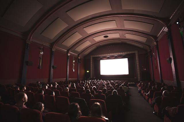 أفضل 6 مواقع عربية لمشاهدة أحدث الأفلام بجودة عالية والتمتع بتحميلها مجانا !