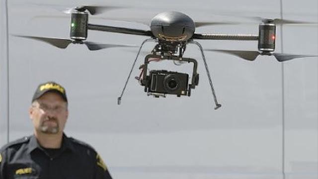 مجرمون يستخدمون سربًا من الطائرات بدون طيار لإجراء مسح وتعطيل عملية احتجاز الرهائن في مكتب التحقيقات الفيدرالي FBI